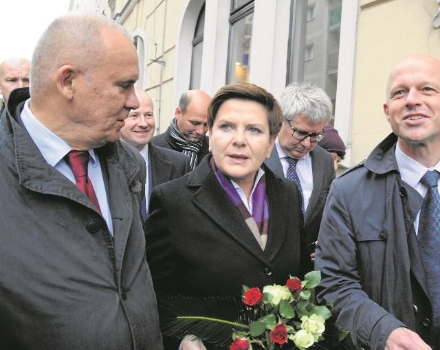 Beata Szydło udzielała poparcia wielkopolskim politykom. Tadeusz Dziuba (na zdjęciu po lewej) otrzyma mandat do Sejmu, ale Paweł Szałamacha (z prawej) nie. Jest za to typowany na ministra