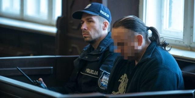 Sławomir G. wezwany po latach na przesłuchanie w końcu przyznał się, że w dniu śmierci Joanny był u niej w mieszkaniu. Sąd skazał go na 15 lat więzienia.