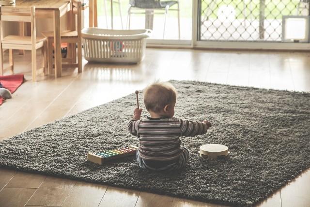 Bezpieczeństwo dzieci w domu to podstawa. Nie tylko gorące żelazko, czy piekarnik są zagrożeniem!