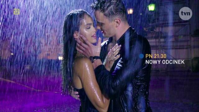 Gwiazdy poprzednich edycji wzięli udział się w namiętnej sesji z uczestnikami Top Model 8! Klaudia El Dursi pozowała do namiętnych zdjęć w deszczu z Patrykiem Grudowiczem.