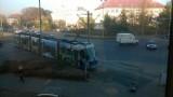 Wypadek na Kochanowskiego. Tramwaj zderzył się z autem dostawczym (ZDJĘCIA)
