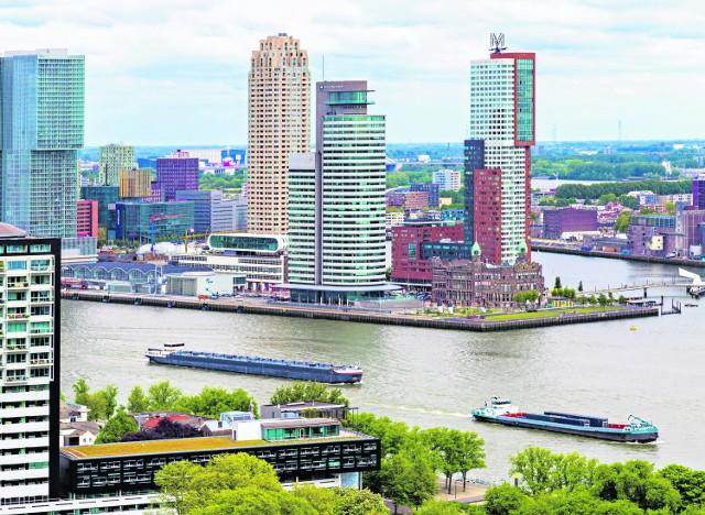 Jedną z podstawowych form transportu w Holandii jest właśnie żegluga śródlądowa. Holendrzy, jak mało która nacja w Europie, dbają bowiem bardzo poważnie o środowisko naturalne
