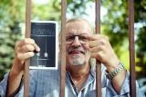 Andrzej Flügel napisał książkę. Niektóre wspomnienia mrożą krew w żyłach