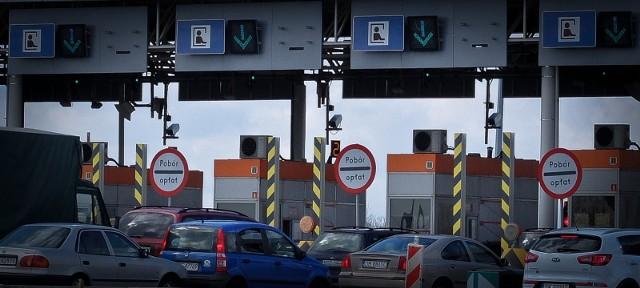 Zator na bramkach w Karwianach od strony Opola ma już 2 kilometry