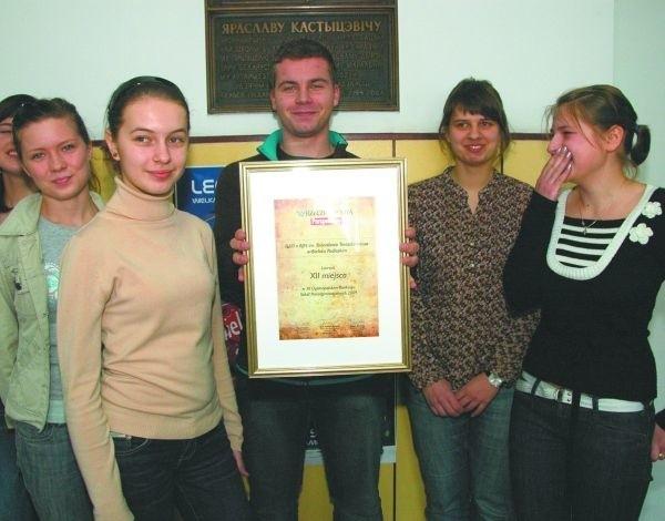 Delegacje tylko 15 szkół uczestniczyło w ogłoszeniu wyników ogólnopolskiego rankingu szkół ponadpodstawowych. Wśród nich byli uczniowie z II LO w Bielsku Podlaskim