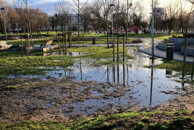 W grudniu 2018 r. zakończyła się budowa Parku Rataje, znajdującego się między osiedlami Bohaterów II Wojny Światowej, Polan, Rzeczypospolitej i Powstań Narodowych. Inwestycja pochłonęła 20 milionów złotych. Teraz park znów został zalany