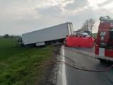 Wypadek koło Otmuchowa na krajowej 46. Zderzyły się trzy samochody. Na ratunek lądował śmigłowiec LPR