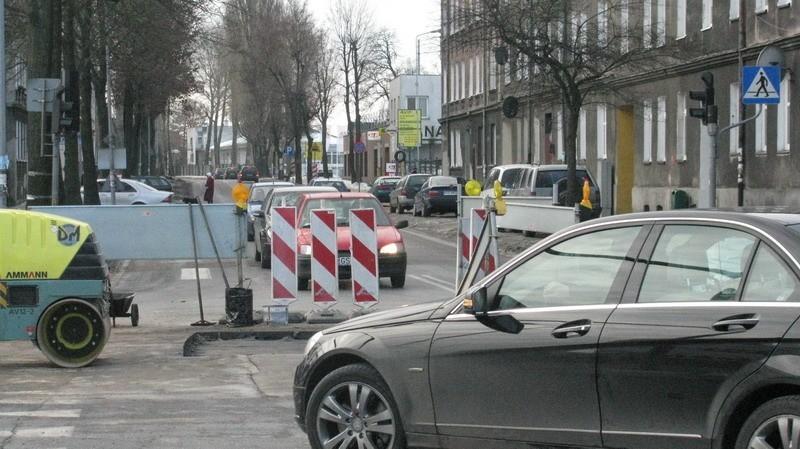 Po awarii. Utrudnienia w ruchu na skrzyżowaniu ul. Paderewskiego i Przemysłowej