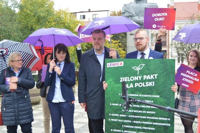 Ostrołęka. Adrian Zandberg mówił w Ostrołęce m.in. o budowie bloku C elektrowni i alternatywach Lewicy