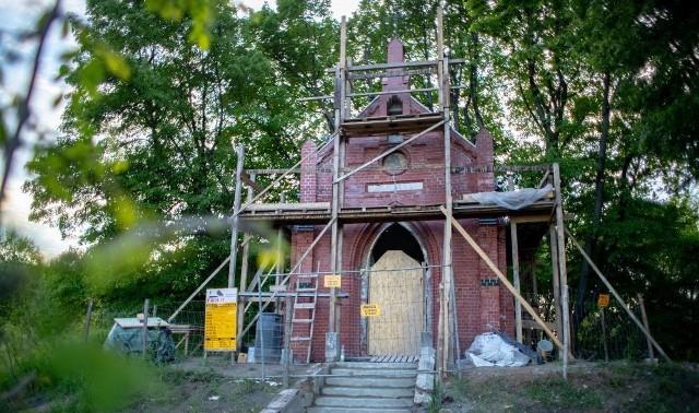 Kaplica Maria Hilf w Piekarach Śląskich będzie miała nowy dzwon. Remont obiektu dobiega powoli końca