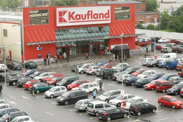 Kaufland da pracownikom podwyżki. Ile zarobią kasjerzy?