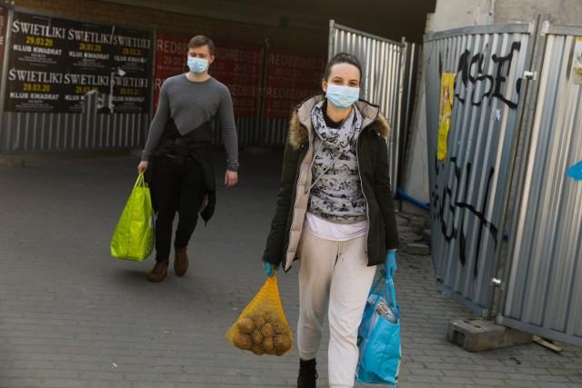 Do kiedy potrwa pandemia koronawirusa? Kiedy koniec koronawirusa? Czy pogoda wpłynie na koronawirusa? To pytania, które zadają sobie ludzie na całym, w tym eksperci i naukowcy.