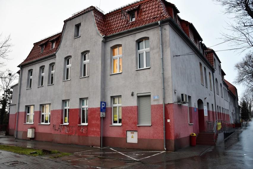 Pracownicy opolskiego MOPR na razie protest ograniczali do...