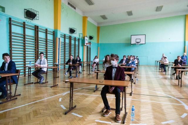 Tak wyglądał tegoroczny egzamin ósmoklasisty w cieniu pandemii