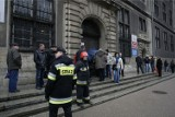 Alarm bombowy w sądzie. Pomieszczenia mają sprawdzać sędziowie