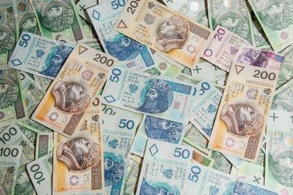 Jak odzyskać pieniądze po zmarłym? W pierwszej kolejności przejrzeć np. jego korespondencję z instytucjami finansowymi, wydruki z rachunków czy umowy.