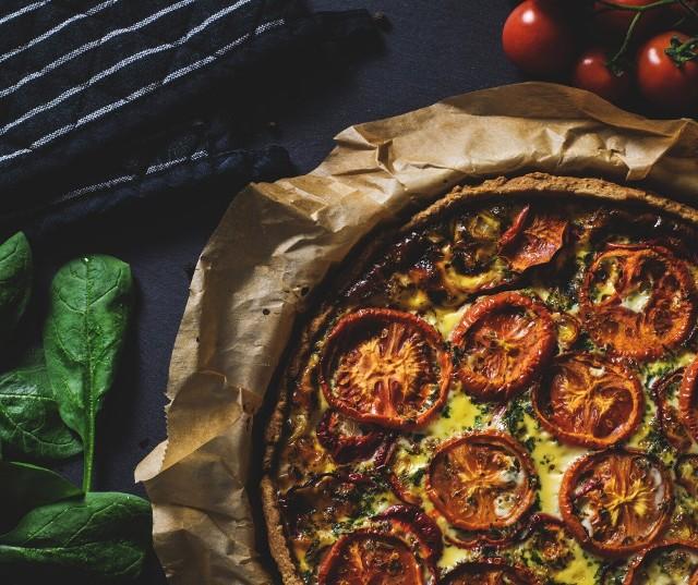 Prezentujemy najnowszy ranking restauracji w woj. podlaskim według portalu TripAdvisor. Jest to jeden z najpopularniejszych portali turystycznych na świecie. Jego użytkownicy komentują i oceniają lokale gastronomiczne. Zobaczcie TOP 20 najlepiej ocenianych restauracji w regionie. Ranking aktualny na dzień 19.11.2019.