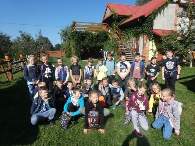 Klasa IIB SP 149 była na wycieczce w Konarzewie - na wykopkach i kiszeniu kapusty!