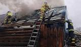 Dziesięć zastępów strażackich walczyło z ogniem w podlimanowskiej wiosce
