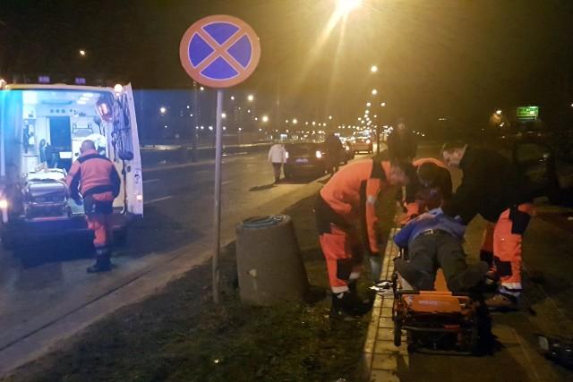 Wypadek na Rokicińskiej w Łodzi. Trzy osoby ranne w zderzeniu taksówek na skrzyżowaniu z z ulicą Augustów