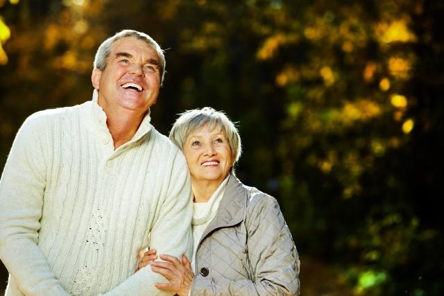 Wszyscy emeryci dostaną w 2021 roku wyższe świadczenia dzięki waloryzacji oraz trzynastki. Niektórych czekają dodatkowe podwyżki