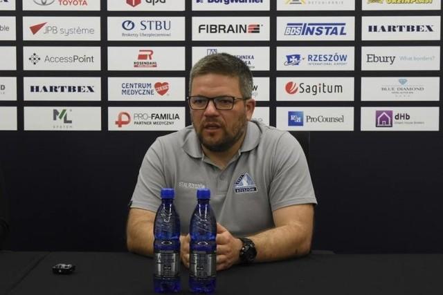 - Mecz pod naszą pełną kontrolą z zespołem, który był rewelacją tego czasu po pandemii - powiedział Marcin Wołowiec, jeden z trenerów Stali Rzeszów