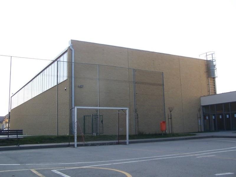 Hala sportowa w Radłowie