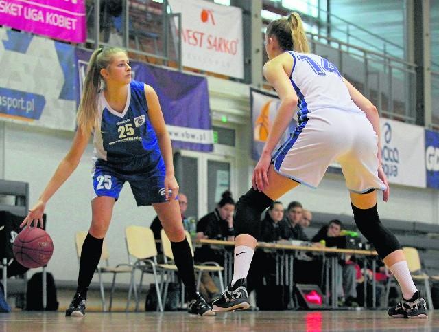 Fragment ostatniego wygranego meczu naszych w fazie grupowej (z piłką Magdalena Szajtauer).