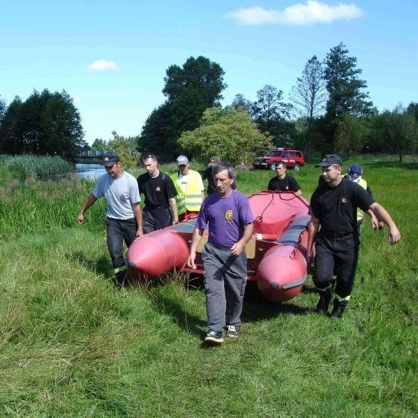 9-latek utonąl w rzece Elk. Zdjecia z akcji ratunkowej pod Prostkami