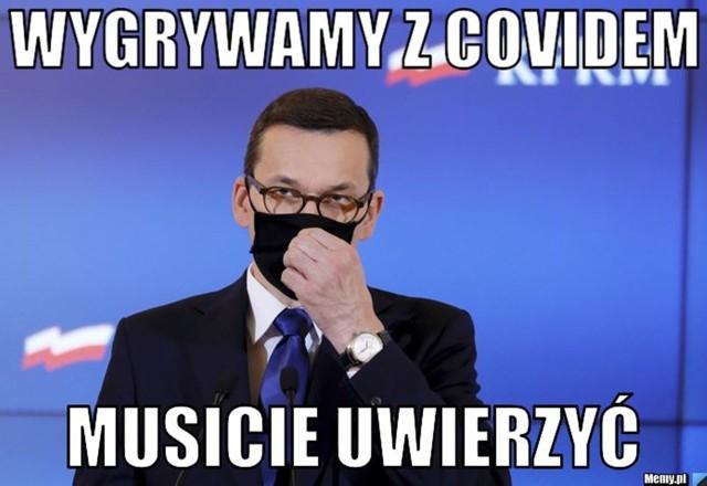 """Mateusz Morawiecki ogłasza: """"wygrywamy z koronawirusem"""". Internauci nie do końca się zgadzają. Zobacz memy na kolejnych slajdach galerii"""