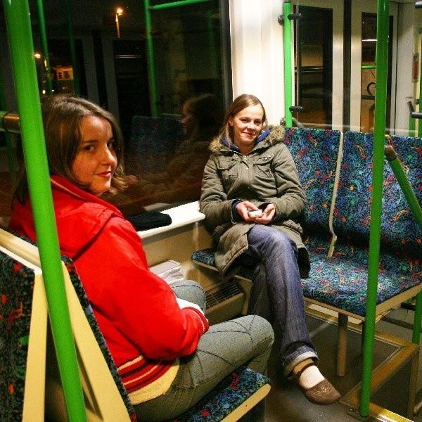 """Jako pierwsze, """"prywatnym pociągiem"""" wyjechały wczoraj o 5.05 rano z Chojnic Beata Kiedrowska i Ania Wójcik"""