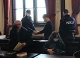 Krzysztof zabił Artura z zazdrości. W bydgoskim sądzie zapadł wyrok. 25 lat więzienia dla zabójcy!