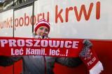 """Skoki w Zakopanem 2020. Fanklub Kamila Stocha z Proszowic wziął udział w akcji """"Oddaj krew razem z Nami"""" [ZDJĘCIA]"""
