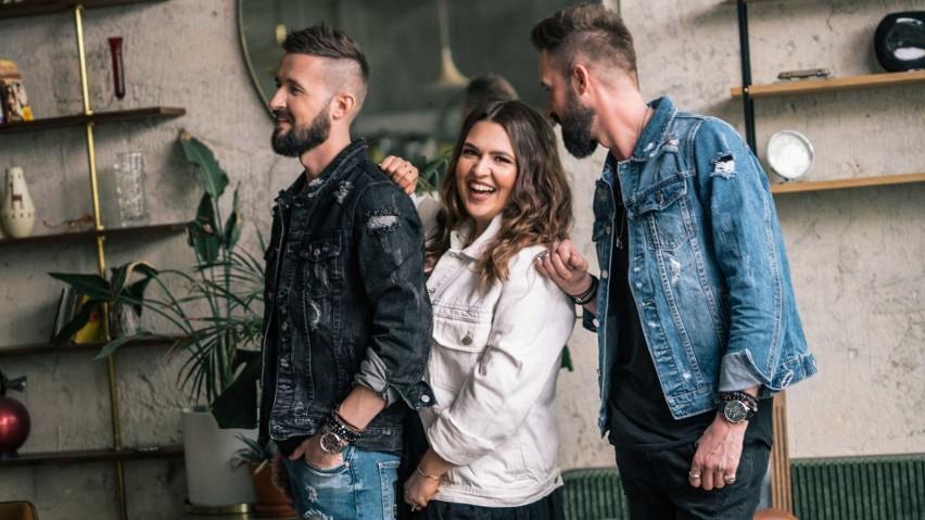 """Three of Us proponuje nowy singiel pt. """"Serca na dłoni"""". Ich..."""