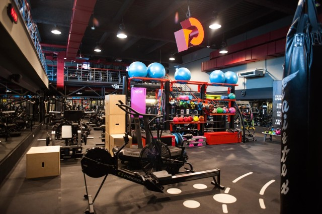 Kluby fitness i siłownie w Krakowie otwarte od 6 czerwca. Przygotowaliśmy zestawienie najlepszych klubów fitness i siłowni według ocen, jakie użytkownicy pozostawiają w wyszukiwarce Google'a. Sprawdź w GALERII.