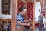 Galeria plastyczna WOAK. Danuta Radulska - Barwny wątek w janowskiej tkaninie