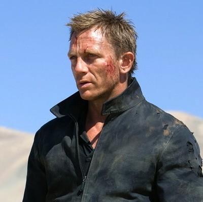 Daniel Craig jest rodowitym Brytyjczykiem, ma 40 lat i teraz gra jednego z najsłynniejszych filmowych bohaterów