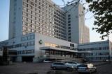 Lekarze z Krakowa walczą o życie mężczyzny, który podpalił się na stacji benzynowej w Gdańsku