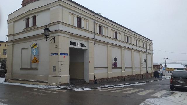 Na dzień 31 grudnia 2020 roku stan zbiorów biblioteki w Chełmnie to: 80.085 książki 2.676  jednostki zbiorów specjalnych