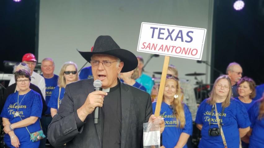Ks. Franciszek Kurzaj od 30 lat organizuje przyjazdy Teksańczyków na Śląsk, zainteresowanie nie słabnie