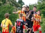 Galeria zdjęć z meczu Korony Kielce z Resovią w lidze makroregionalnej. Zespół z Rzeszowa wygrał 5:0