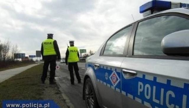 Dwaj młodzi kierowcy zostali złapani na terenie powiatu pajęczańskiego za nadmierną prędkość. Obaj stracili prawa jazdy na okres trzech miesięcy.