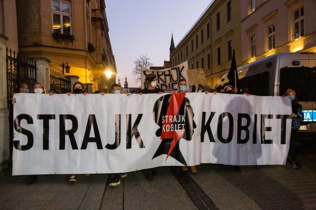 Do prokuratury wpłynęło zawiadomienie dotyczące protestu kobiet w Lublinie. Złożyli je obrońcy katedry.