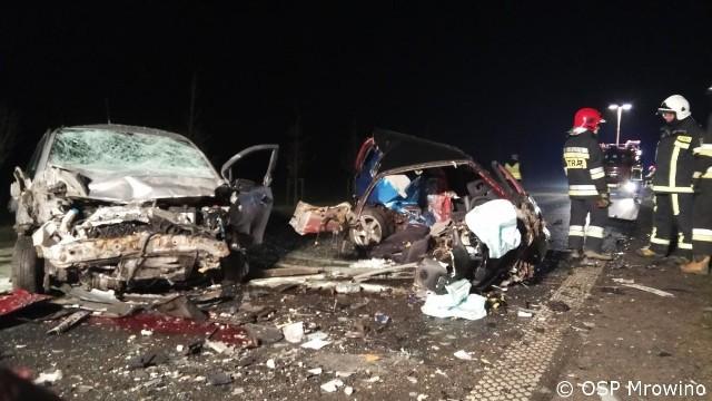 W piątek, 1 grudnia około godz. 22 na trasie Mrowino - Napachanie niedaleko Poznania doszło do zderzenia trzech samochodów. W wypadku zginęła jedna osoba. Policja wyjaśnia wszystkie okoliczności zdarzenia.
