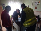 Piekary Śląskie. Policjantka pomogła seniorowi. Mieszkaniec otrzymał nowy piec kuchenny