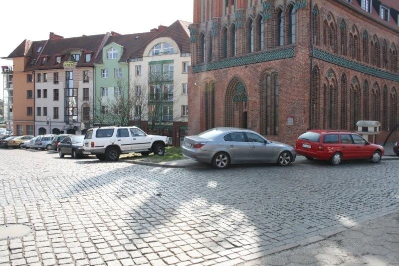Parkowanie na starówce...