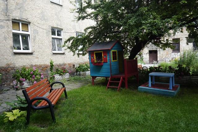W ramach projektów wakacyjnych radni Starego Miasta zachęcili do działania mieszkańców m.in. z Mostowej, Składowej, Kościuszki, Fredry czy Mielżyńskiego.Przejdź do kolejnego zdjęcia --->