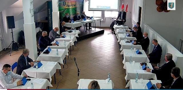 W sierpniu ubiegłego roku Rada Gminy Pawłów jednomyślnie stwierdziła wygaśnięcie mandatu Andrzeja Dziekana, radnego gminy Pawłów już w drugiej kadencji