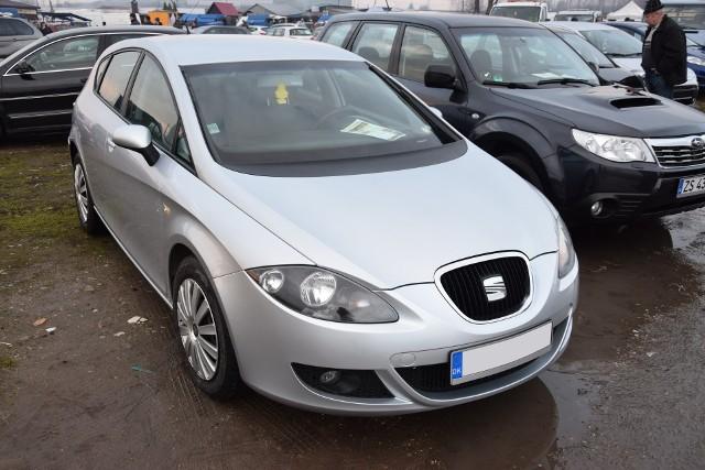 SEAT Leon. Silnik: 2,0 benzyna. Rok produkcji: 2006. Cena: 17500 zł
