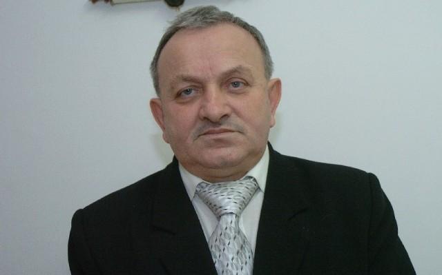 Ryszard Papciak, ma 55 lat, bezpartyjny, żonaty, ma dwoje studiujących dzieci. Wójt Gminy Brzyska jest od 2006 r.